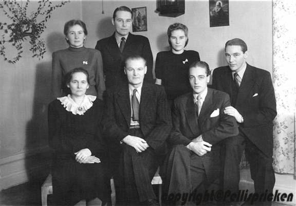 Familj Kondrad Hugo Almgren, Fr. v. Maj-Britt, Kurt, Siri, Farmor Astrid, Farfar Kondrad, Tore, Göte