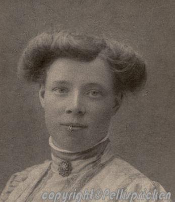 Min Mormor, Anna Almgren, född Hellqvist