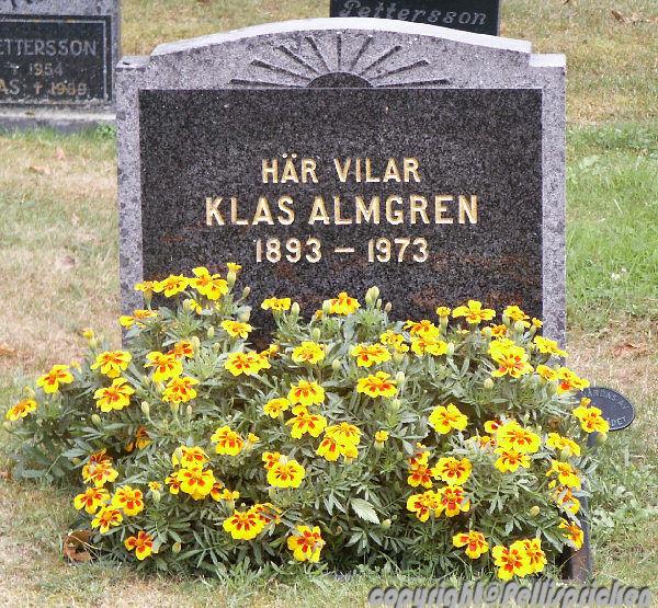 Gravsten Klas Almgren min morfars  bror. Vikers kyrkogård